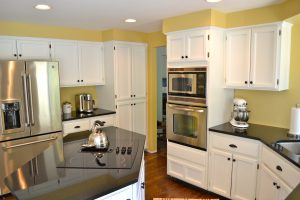 Kitchen Island and Stainless Appliances