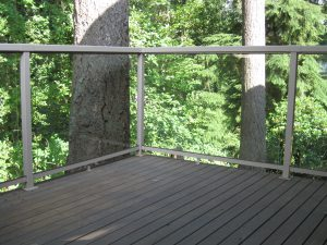 "Deck Aluminum Railing Tempered 1/4"" Glass Everett WA"