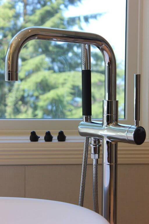Bathtub Faucet for the Bathroom Renovation